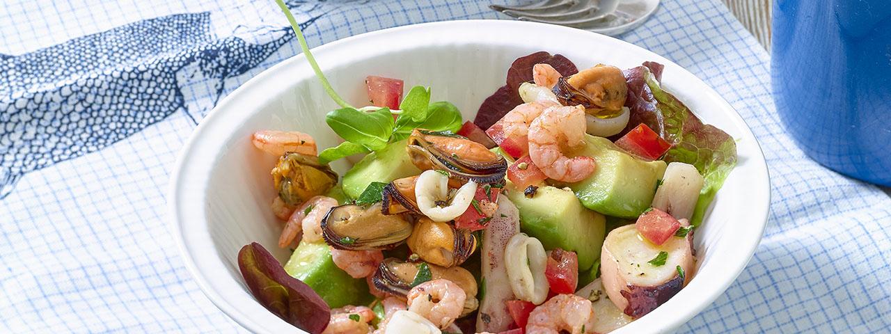 Salade de fruits de mer et avocat