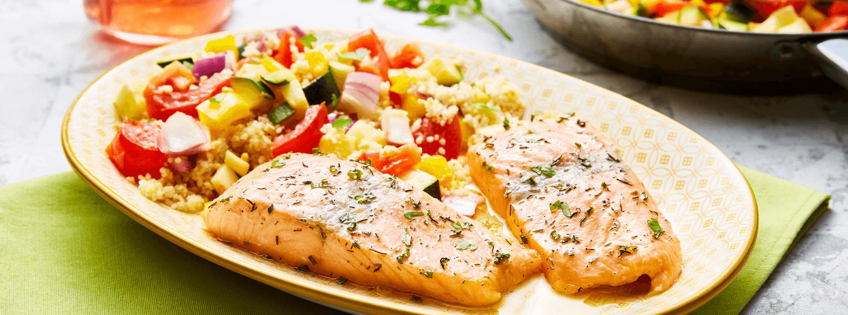 Pavé de saumon mi-cuit en Gravlax, salade d'épeautre aux légumes du soleil